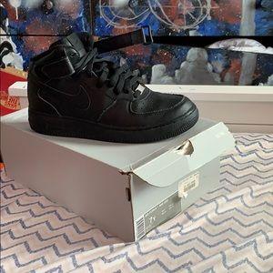 Black Air Force 1's